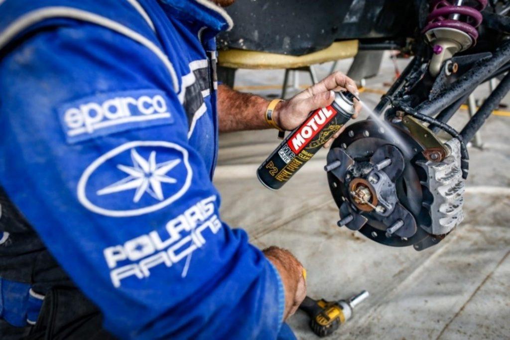 P2: Motul Brake Clean em ação